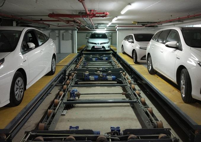 I Robot Car Parking